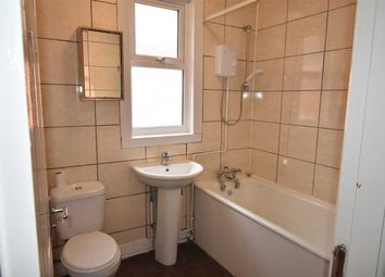 Thumbnail 4 bed terraced house to rent in Avenue Road Extension, Leicester
