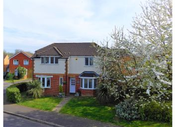 Thumbnail 5 bedroom detached house for sale in Dunford Place, Binfield