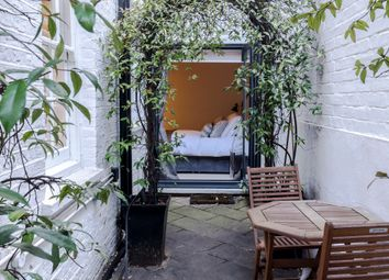 Thumbnail Serviced flat to rent in Pavilion Road, London