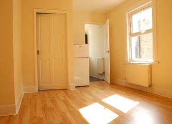 Thumbnail 2 bedroom flat for sale in Priolo Road, Greenwich
