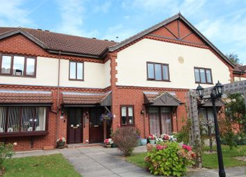 Thumbnail 1 bed flat for sale in 37 Lilac Court, Grimsby, N.E. Lincs