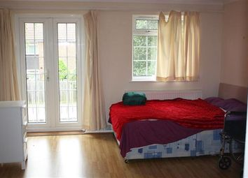 Thumbnail 5 bedroom property to rent in Almond Avenue, Ealing, London