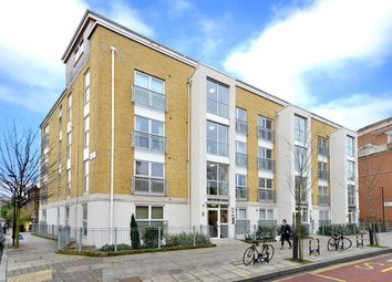 Thumbnail 2 bedroom flat to rent in Northpoint House, 400 Essex Road