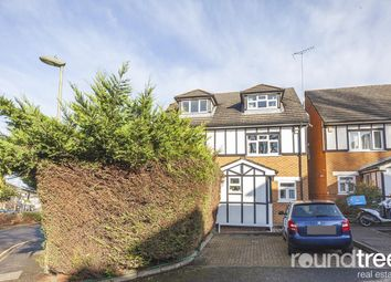 3 bed property to rent in Rickard Close, Hendon NW4