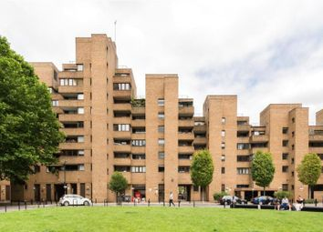 Thumbnail 2 bed flat for sale in Hopton Street, London
