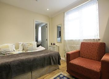 Thumbnail Studio to rent in Chesterfield Mews, London