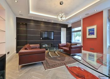 Thumbnail 1 bed flat to rent in Hay Hill, Mayfair W1