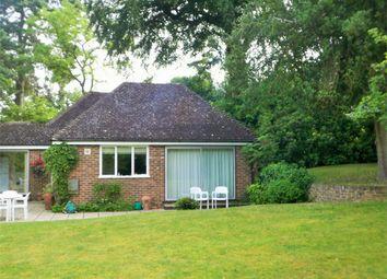 2 bed flat to rent in Heathway, Camberley, Surrey GU15