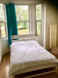 2 bed flat to rent in Two Bedroom Flat, Lower Road SE16