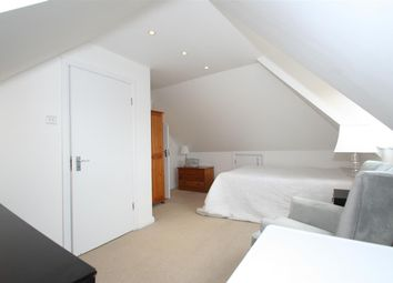 Thumbnail Room to rent in Sherwood Road, London