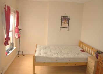 Thumbnail 5 bedroom shared accommodation to rent in Midland Road, Bedford
