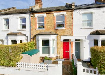2 bed flat for sale in Earls Mews, Winfrith Road, London SW18