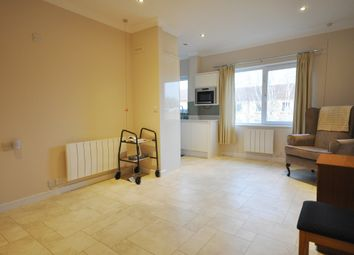 Thumbnail 1 bed flat to rent in Homecross House, Fishers Lane, Chiswick