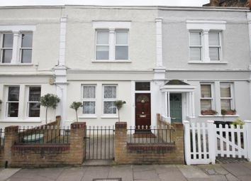 Thumbnail 1 bed flat to rent in Brookwood Road, Southfields