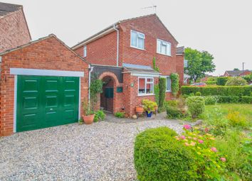 Thumbnail 3 bed detached house for sale in Waterloo Close, Wellesbourne, Warwick