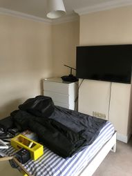 Thumbnail Studio to rent in Haywood Road, Bromley