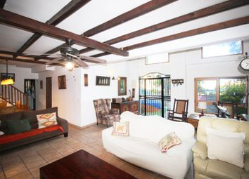 Thumbnail 5 bed chalet for sale in Vistahermosa, Alicante, Spain