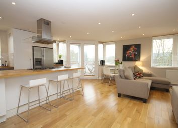 Thumbnail 2 bed flat to rent in Caxton Court, Henley-On-Thames