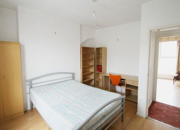 Thumbnail 3 bedroom flat to rent in Caledonian Road, Islington