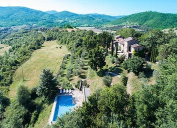 Thumbnail 3 bed farmhouse for sale in Passignano Sul Trasimeno, Passignano Sul Trasimeno, Perugia, Umbria, Italy