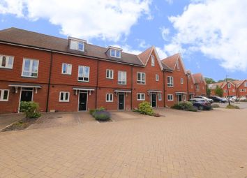 Thumbnail 3 bed town house for sale in Newlands Way, Cholsey, Wallingford
