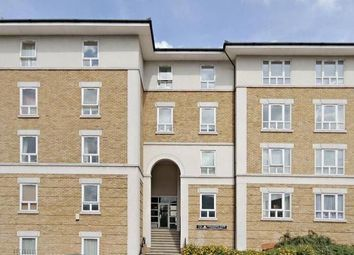 Thumbnail 2 bed flat to rent in Stewart Street, London
