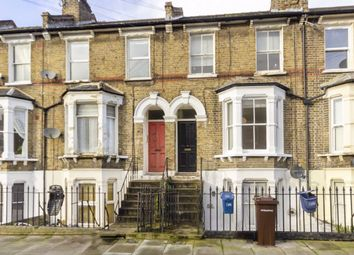 2 bed flat to rent in Mabley Street, London E9