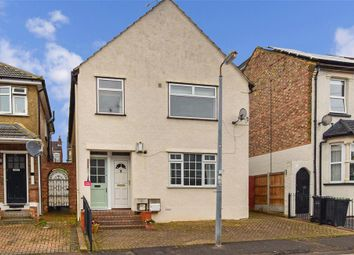 2 bed maisonette for sale in Smeaton Road, Woodford Green, Essex IG8