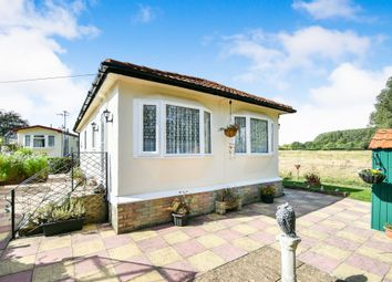 Thumbnail Mobile/park home for sale in Riverside Park, Upavon, Pewsey