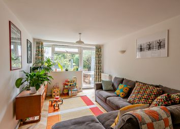 3 bed maisonette for sale in Conistone Way, London N7