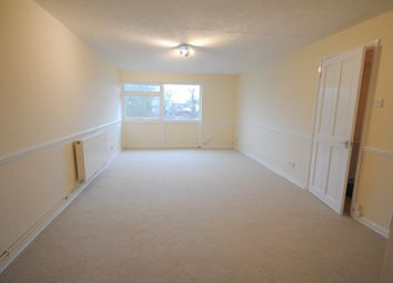 Thumbnail 2 bed flat to rent in Barnetts Shaw, Oxted
