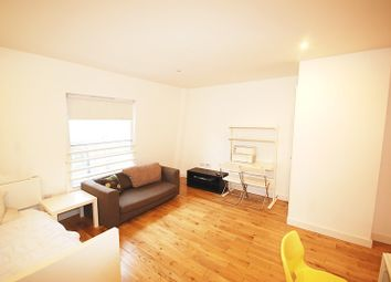 Thumbnail Studio to rent in York Way, London