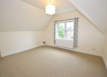 Thumbnail 2 bedroom flat to rent in Woodside Park Road, London