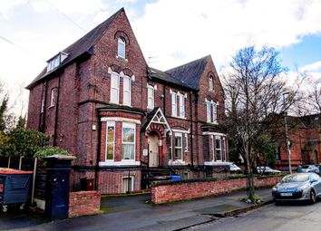 2 bed flat to rent in Brook Road, Fallowfield, Manchester M14