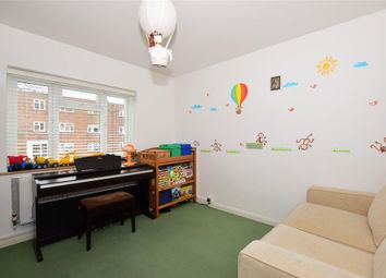 Thumbnail 2 bedroom flat for sale in Brighton Road, Sutton, Surrey