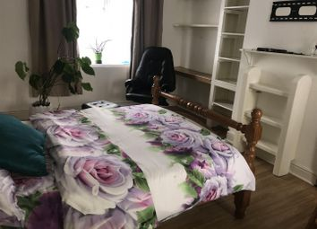 Thumbnail 1 bed property to rent in Carpenter Gardens, London