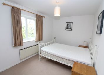 2 bed flat to rent in Trawler Road, Swansea SA1