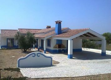 Thumbnail 3 bed villa for sale in Portugal, Santarém, Santarém