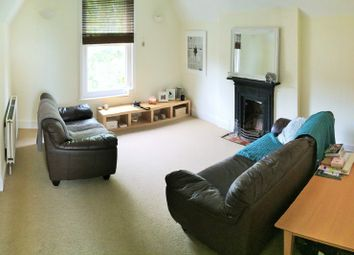 Thumbnail 1 bed flat to rent in Alexandra Road, Reading