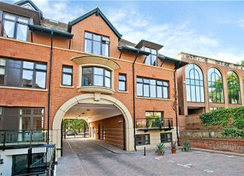 2 bed flat to rent in Perpetual House, Station Road, Henley-On-Thames, Oxfordshire RG9