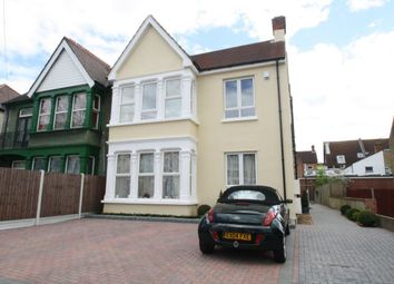 Thumbnail 2 bedroom flat to rent in Grosvenor Road, Westcliff-On-Sea