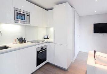 Thumbnail 3 bed flat to rent in Merchant Square, Paddington, London