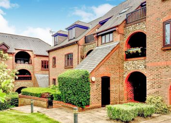 Thumbnail 2 bedroom flat for sale in Dolphin Court, Kingsmead Road, High Wycombe