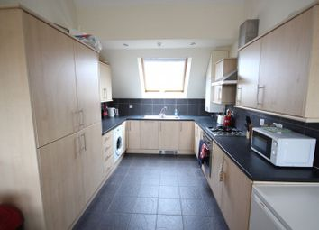Thumbnail 5 bed flat to rent in Kirkstall Lane, Headingley, Leeds