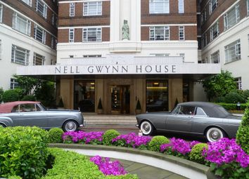 Thumbnail Studio to rent in Nell Gwynn House, Sloane Avenue, London