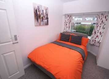 Thumbnail Room to rent in The Crescent, Andover