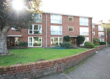 Thumbnail 2 bed flat to rent in Springfield Road, Windsor