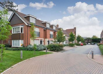Thumbnail 2 bed detached house to rent in Elliston Way, Ashtead