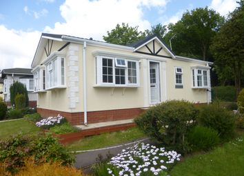 Thumbnail 2 bedroom mobile/park home for sale in Bower Heath Lane, Harpenden