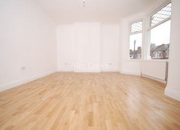 Thumbnail 7 bed terraced house to rent in Queens Road, London